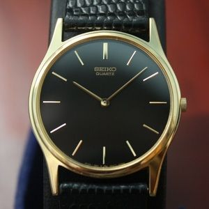 Seiko Wrist Watch Model 5y30-7a79 Black/Gold